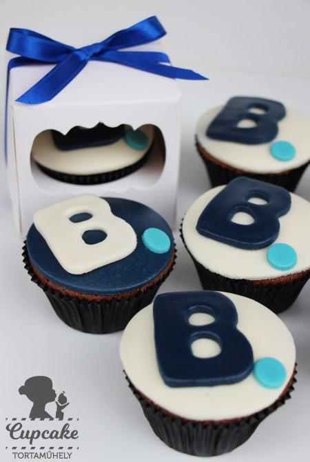 Egyedi Booking.com cupcake céges eseményre