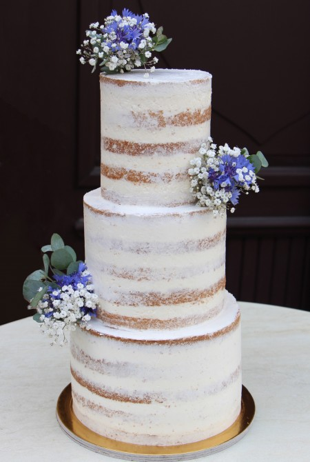 Naked cake - búzavirággal