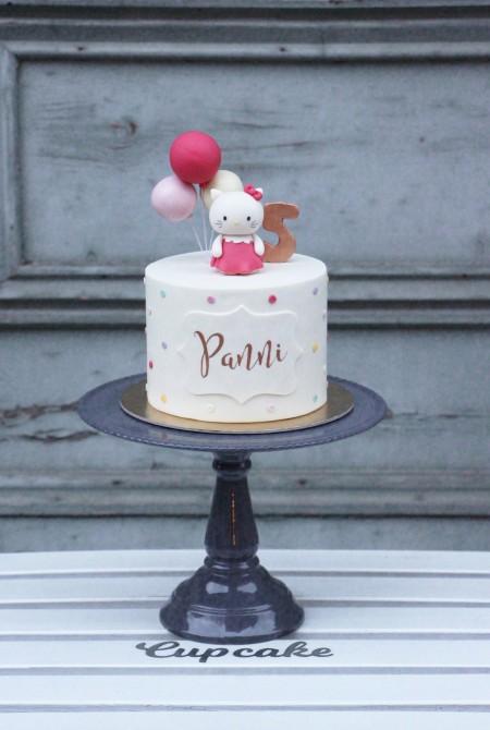 Hello Kitty torta - pöttyös