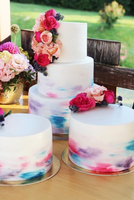 Esküvői torta élővirággal - színátmenetes