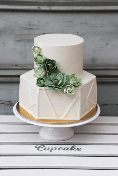 Geometrikus esküvői torta
