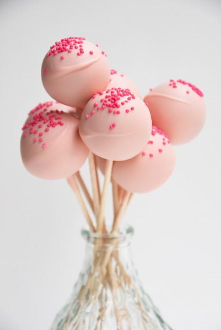 Rózsaszín cake pop - pink szórással