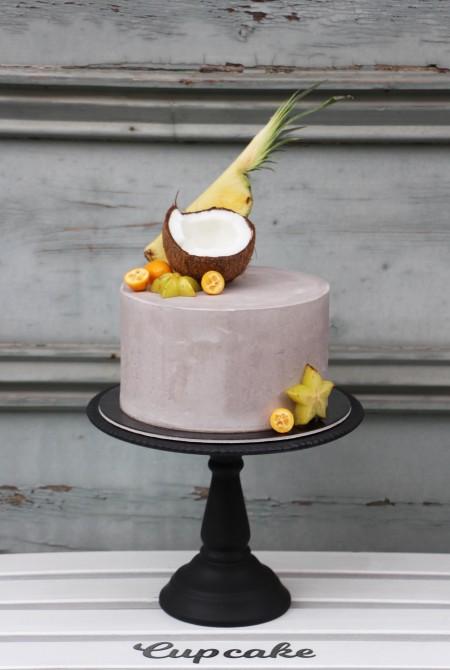 Szürke torta - déligyümölcsökkel - fehércsokiburkolással