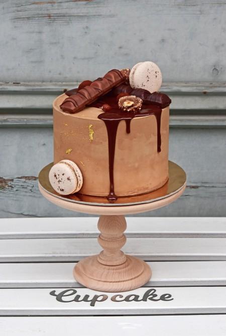 Barna csokis torta - fehércsokiborítással