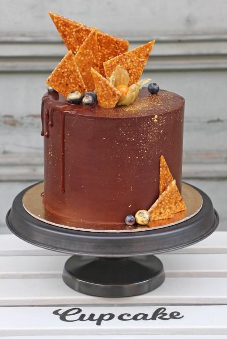 Csokikabátos torta - grillázs vitorlákkal