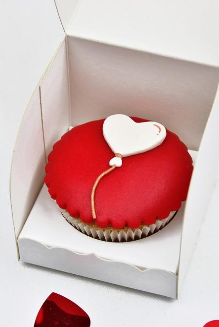 Valentin cupcake 1 BOX - Szív lufi
