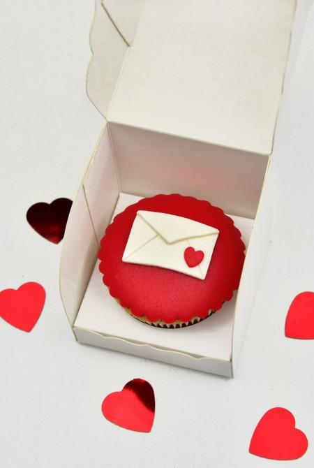 Valentin cupcake 1 BOX - Levél