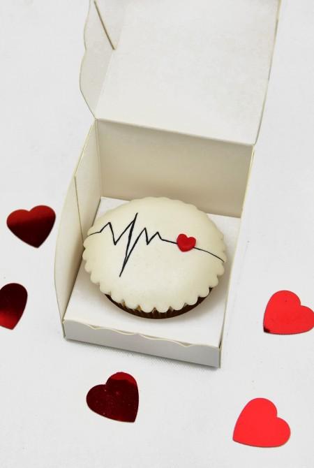 Valentin cupcake 1 BOX - Szívritmus